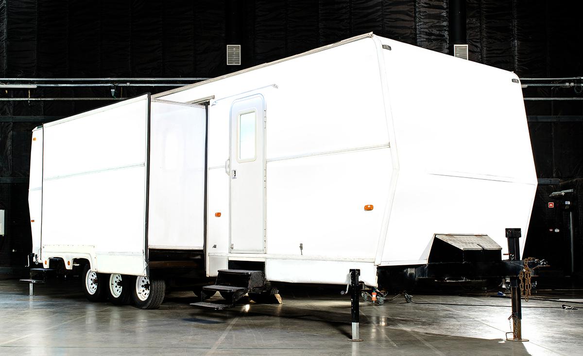 origorentals-6pos-makeup-trailer-1